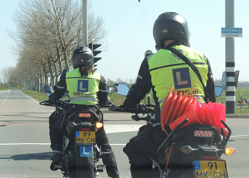 Motorrijschool Roelofarendsveen